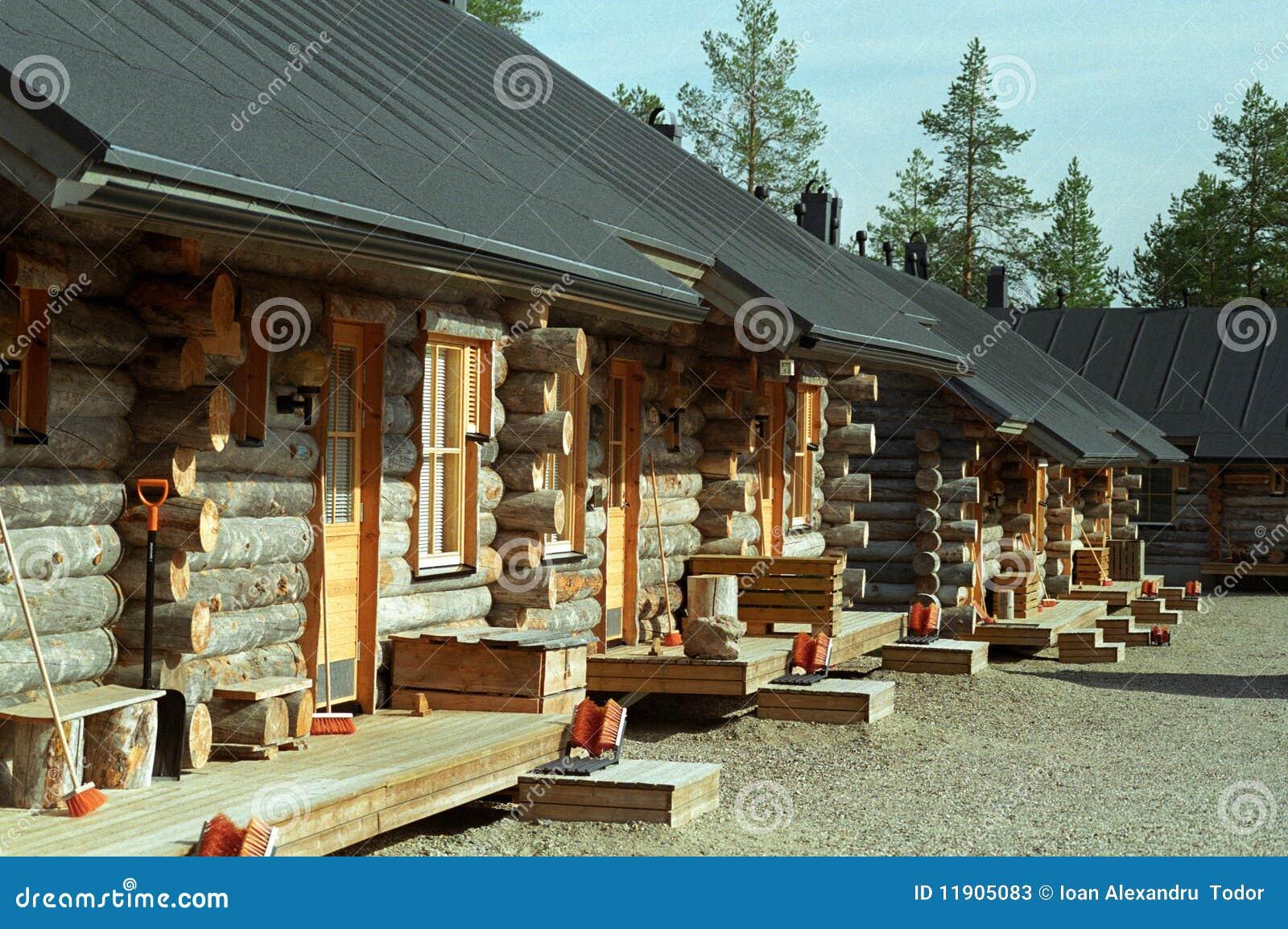 Kabiny notują drewnianego