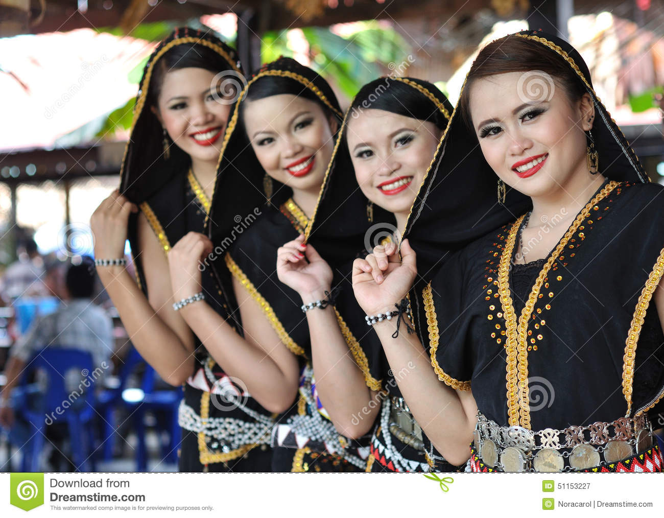 kota kinabalu girls 2018-6-7  with the large population of muslims living in kota kinabalu, searching for halal food is fairly easy although, it is very common to find muslim friendly restaurants (that are not operated by muslim owners), which are labelled serve no pork.