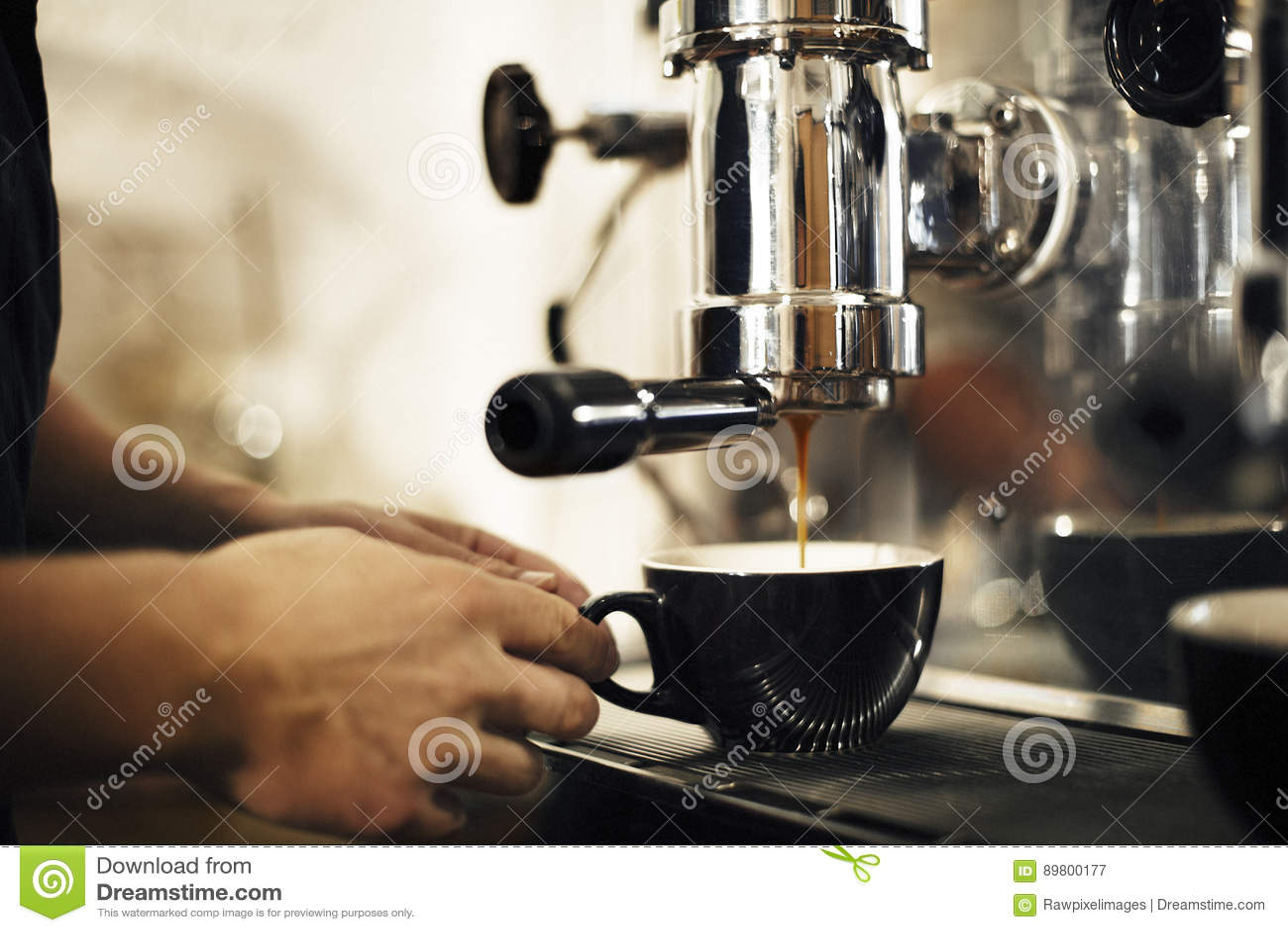 Kaffee, der Geschäfts-Café Barista Concept macht
