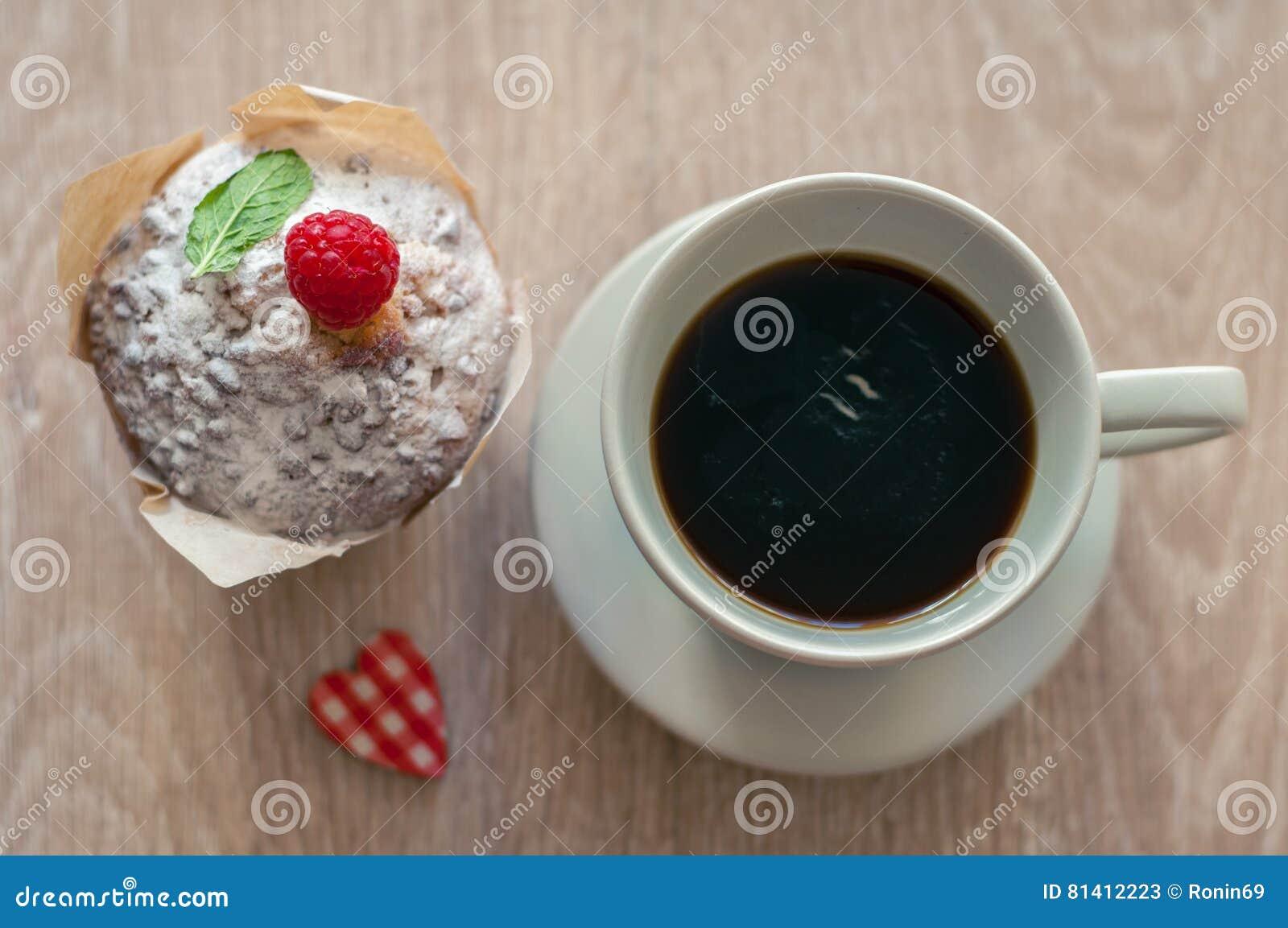 Kaffee mit Muffin