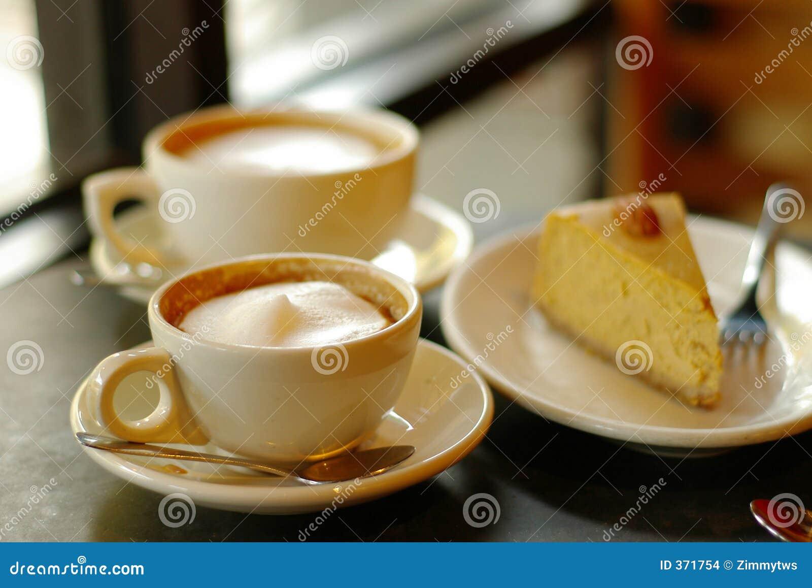 kaffee und torte stockfoto bild von cappuccino sch umend 371754. Black Bedroom Furniture Sets. Home Design Ideas