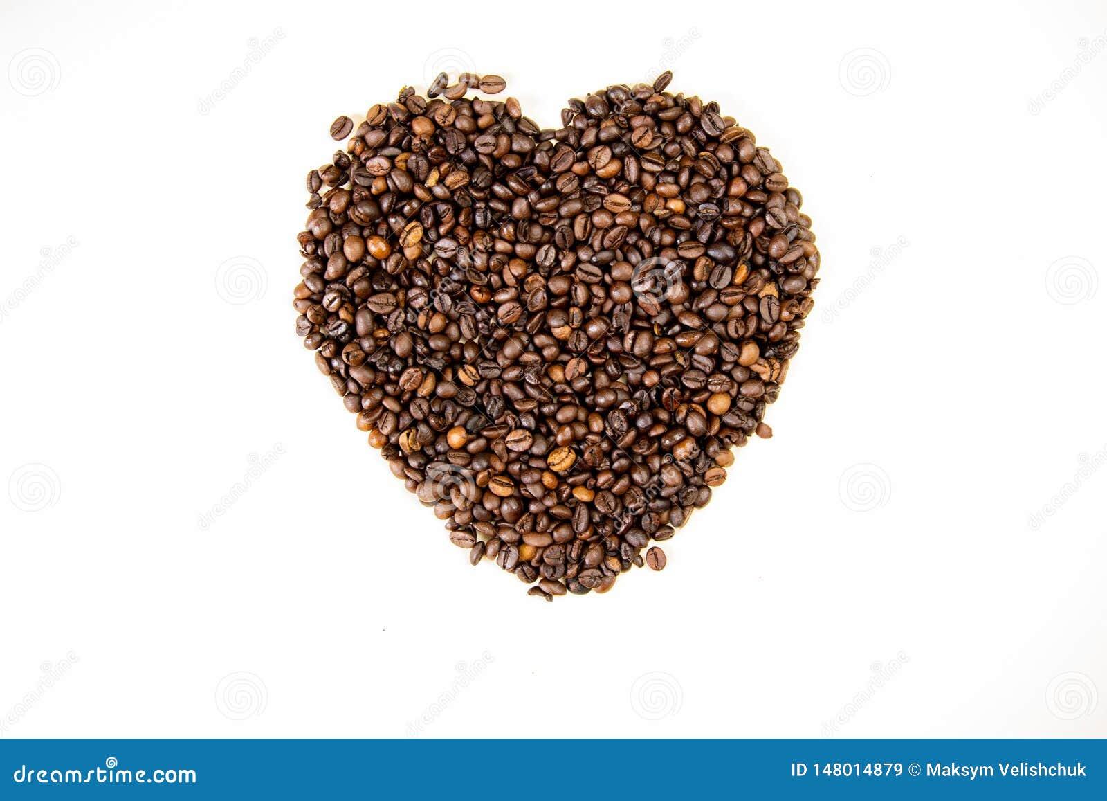 Kaffeebohnen in Form der Draufsicht des Herzens