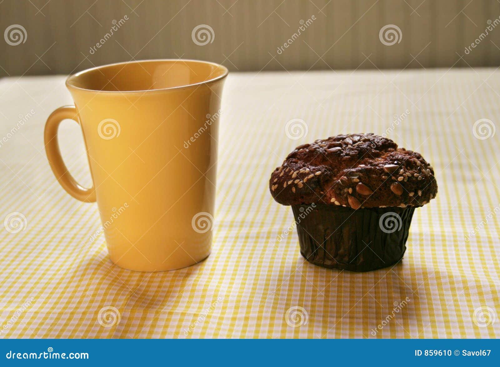 Kaffeepause und Honig-Mutteren-Muffin
