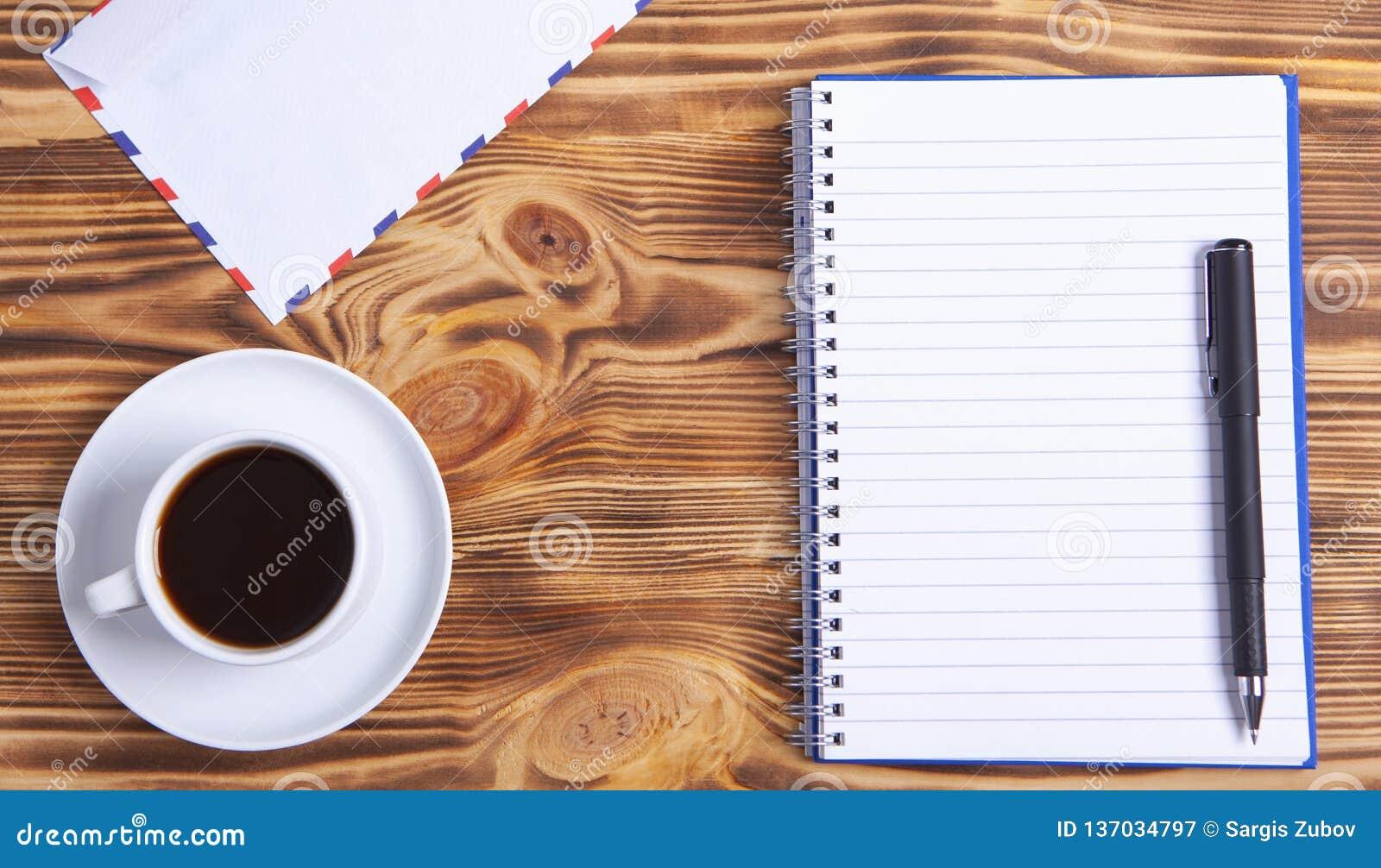 Kaffeeumschlag und -notizbuch