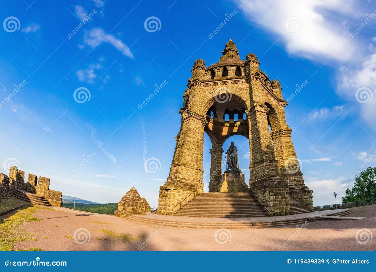 Kaiser Wilhelm Monument em Porta Westfalica
