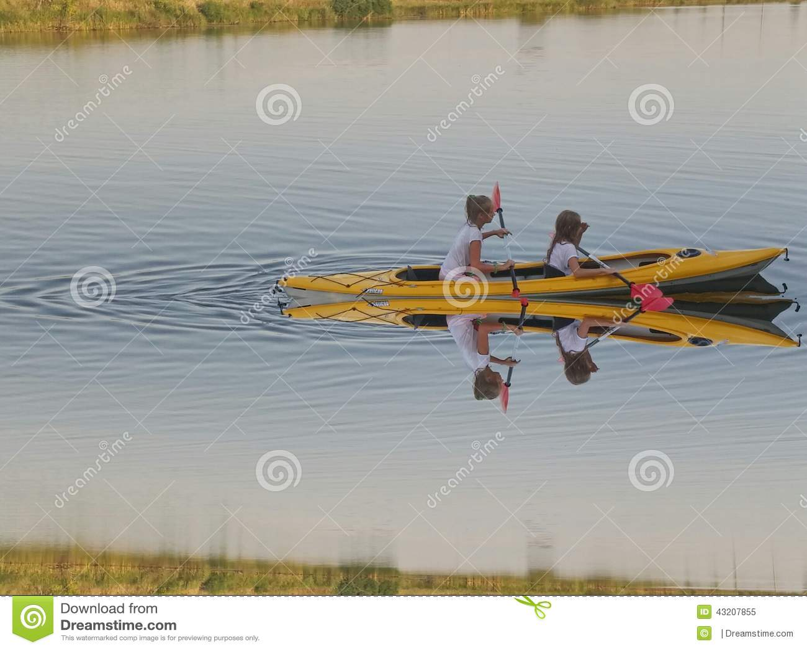 Download Kajak redaktionell foto. Bild av flod, vatten, kajak - 43207855