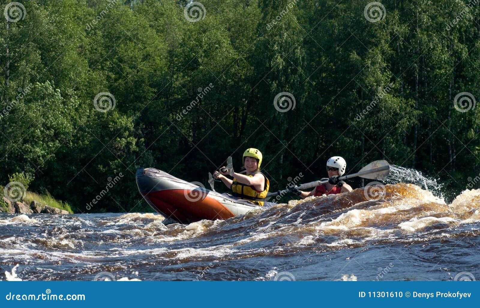 Kajak auf Fluss