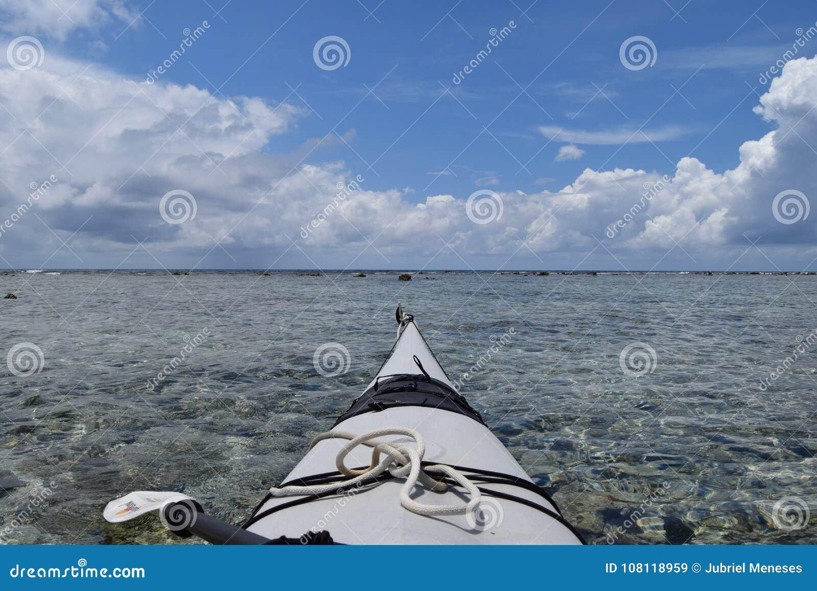 Kajak en el agua en Belice