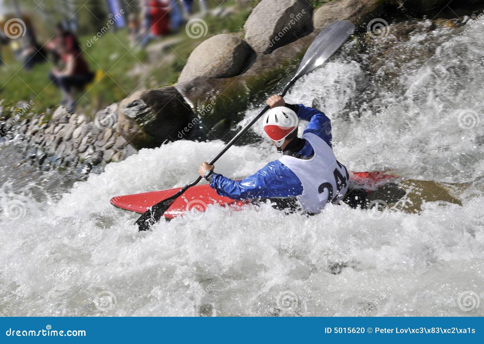 Kajak sui rapids