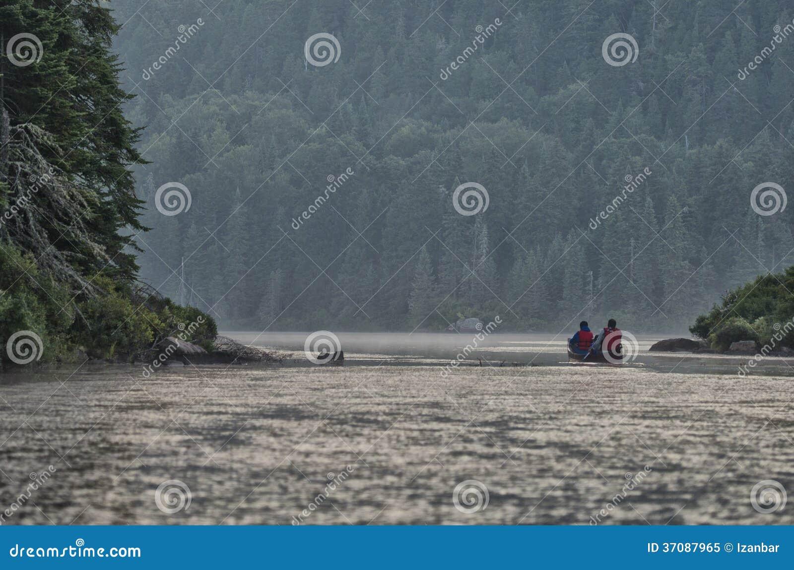 Download Kajakuje W Jeziorze, Parc De Los Angeles Mauricie Obraz Stock - Obraz złożonej z kanada, równo: 37087965