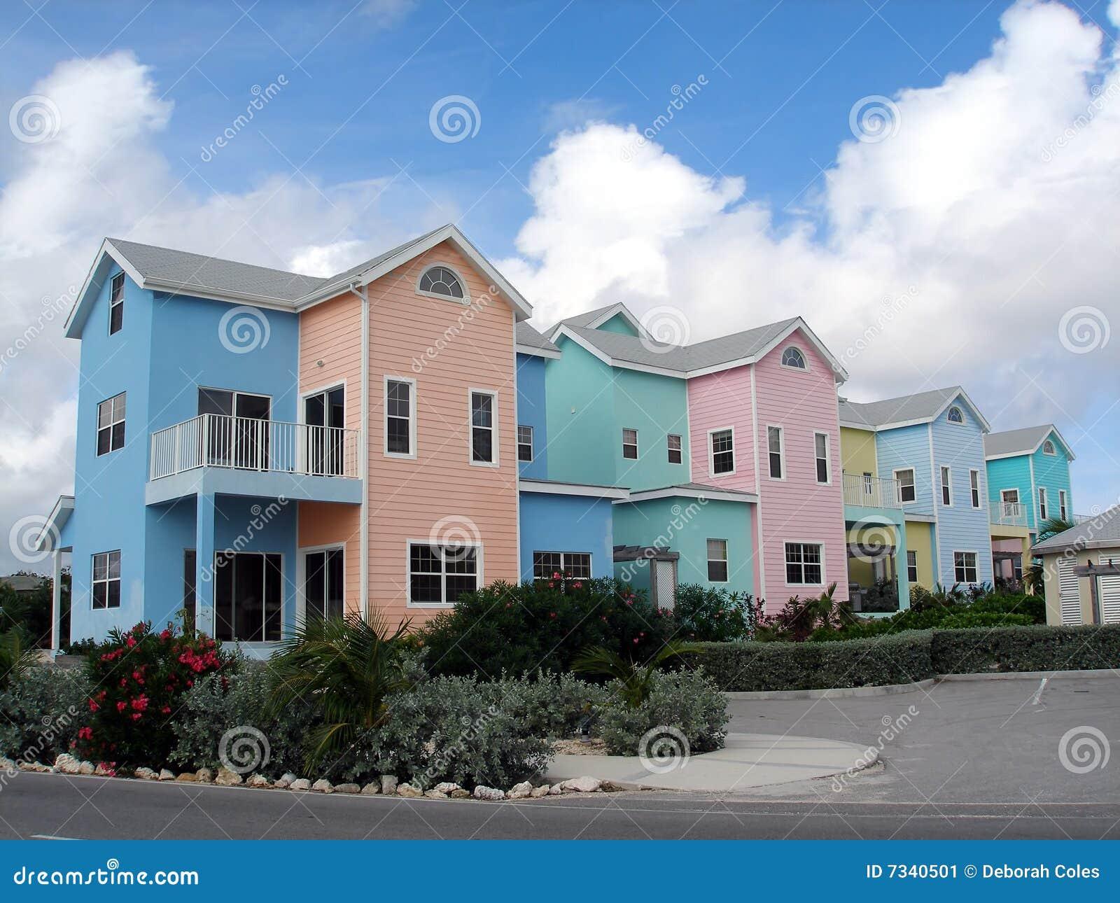 Kajmanów domy kolorowi uroczyści