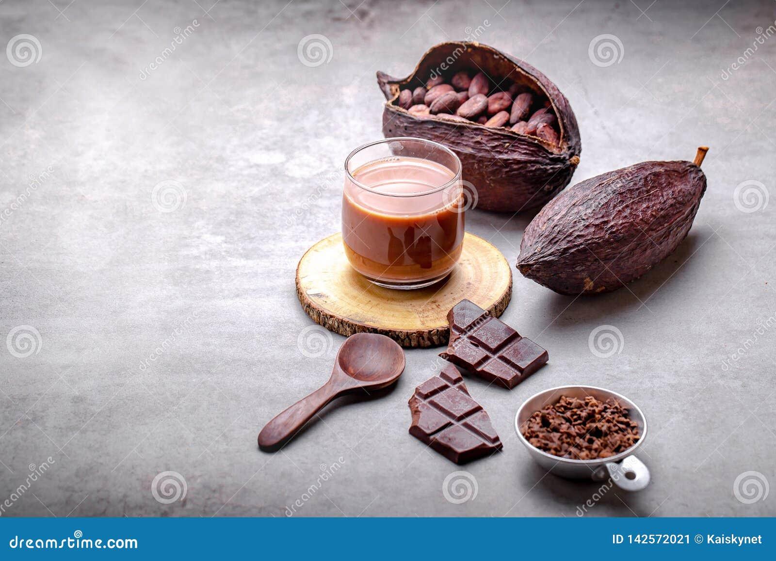 Kakaodrinken för varm choklad i exponeringsglas rånar
