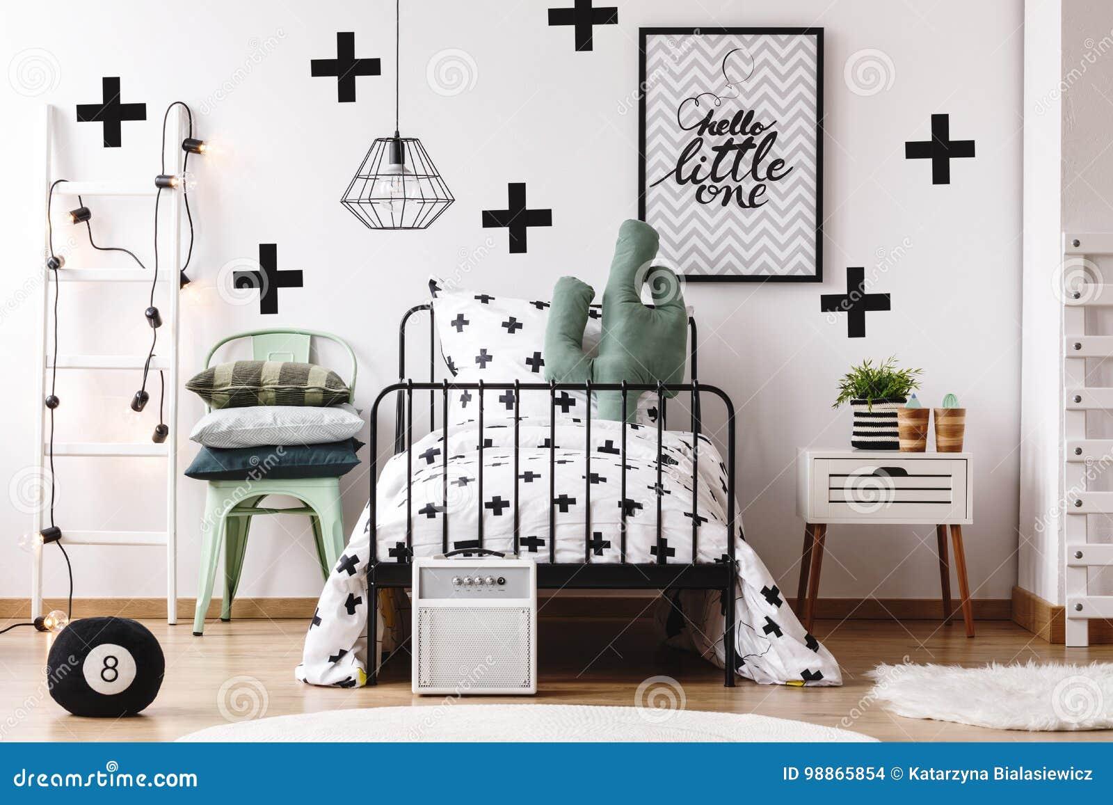 Kaktuskissen in Kind-` s Bett