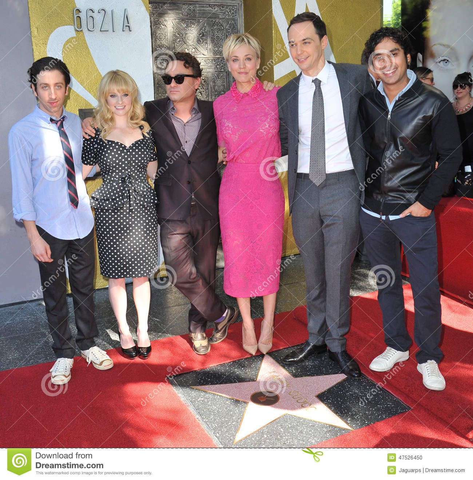 Kaley Cuoco Cast Of The Big Bang Theory Editorial Image Image Of