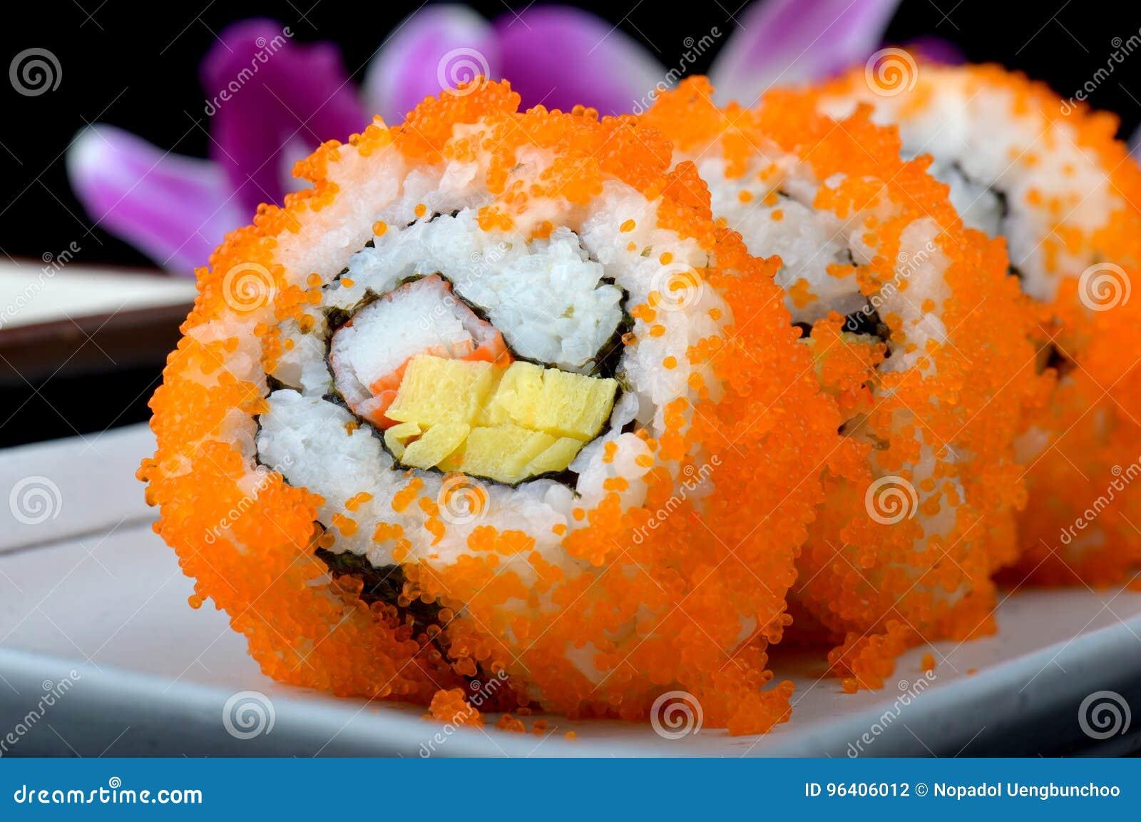 Kalifornien-Rolle oder japanische Sushirolle