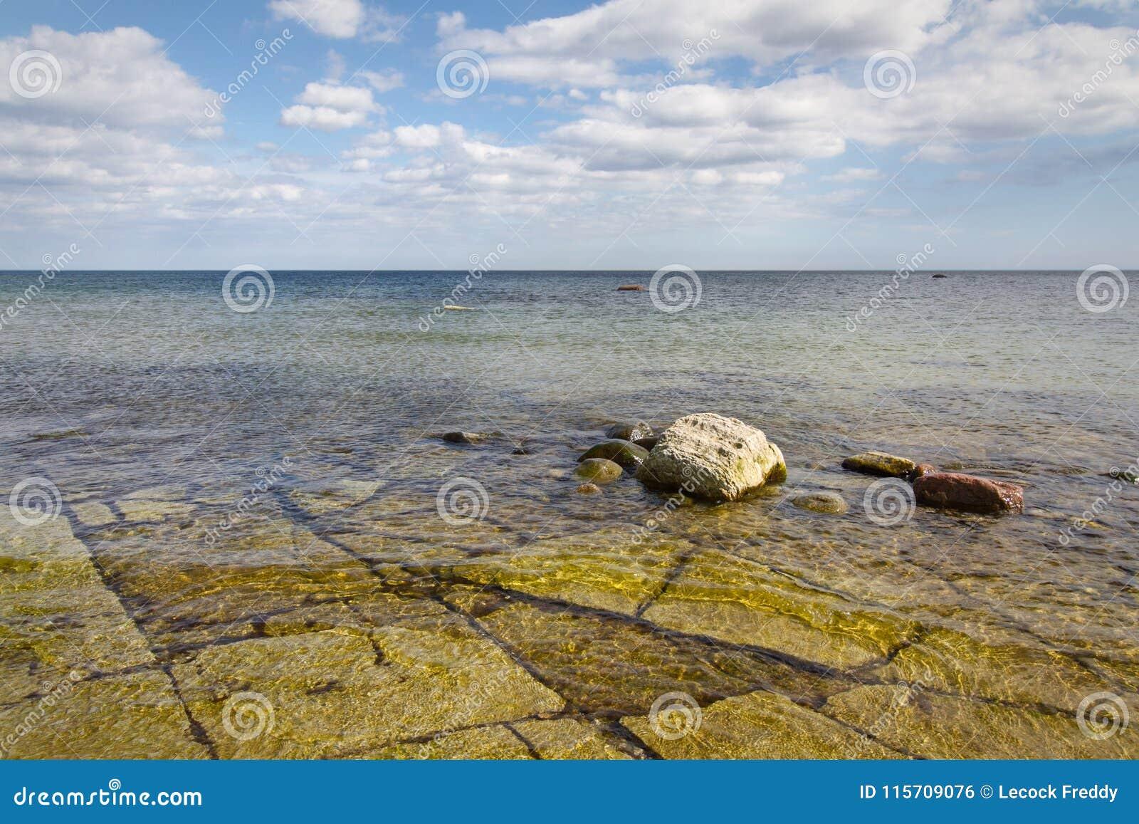 Kalkenshällar Öland costal view