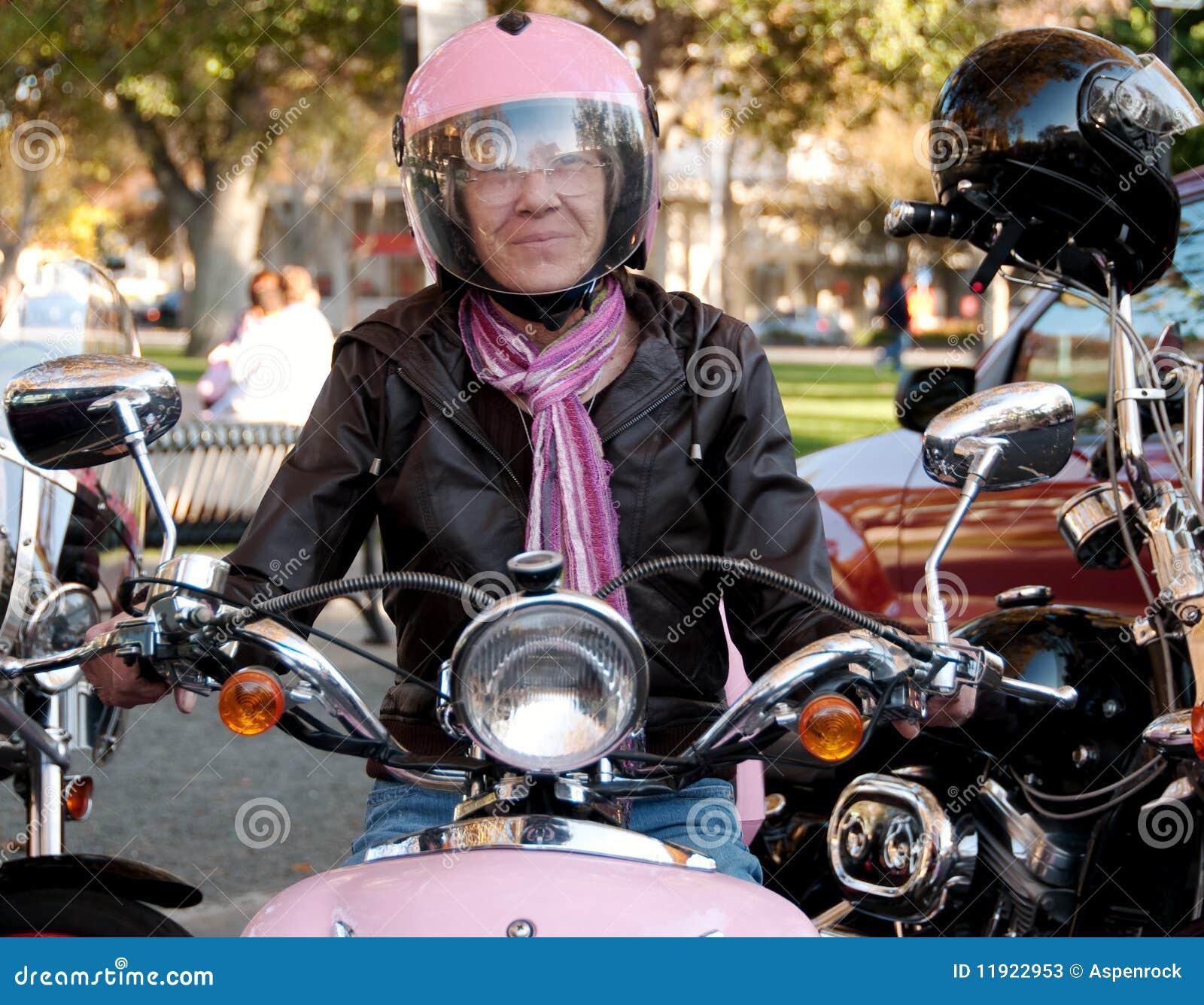 Kall kvinnlig för cyklist