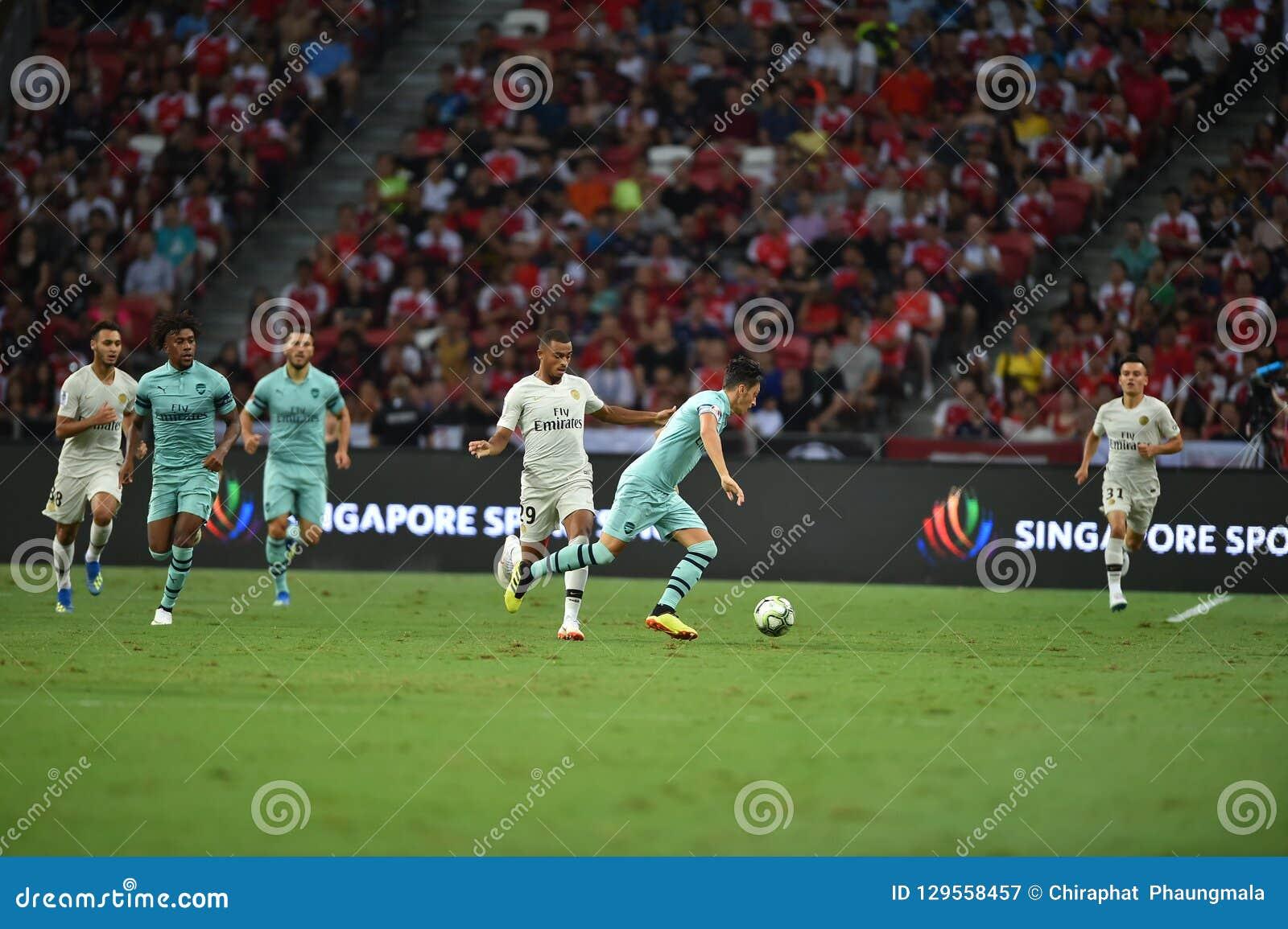 Kallang-Singapour 28 juillet 2018 : Joueur de Mesut Ozil 10 d arsenal dedans