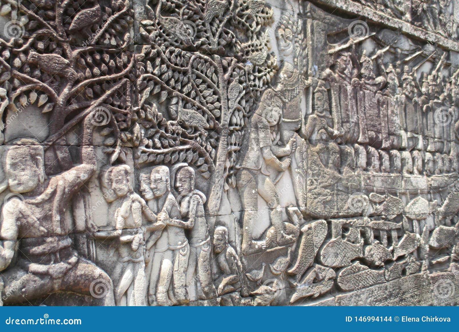Kambodża Angkor Bayon barelief Zewnętrzna galeria pokazuje serie przedstawia dziejowych wydarzenia barelief Bayon i