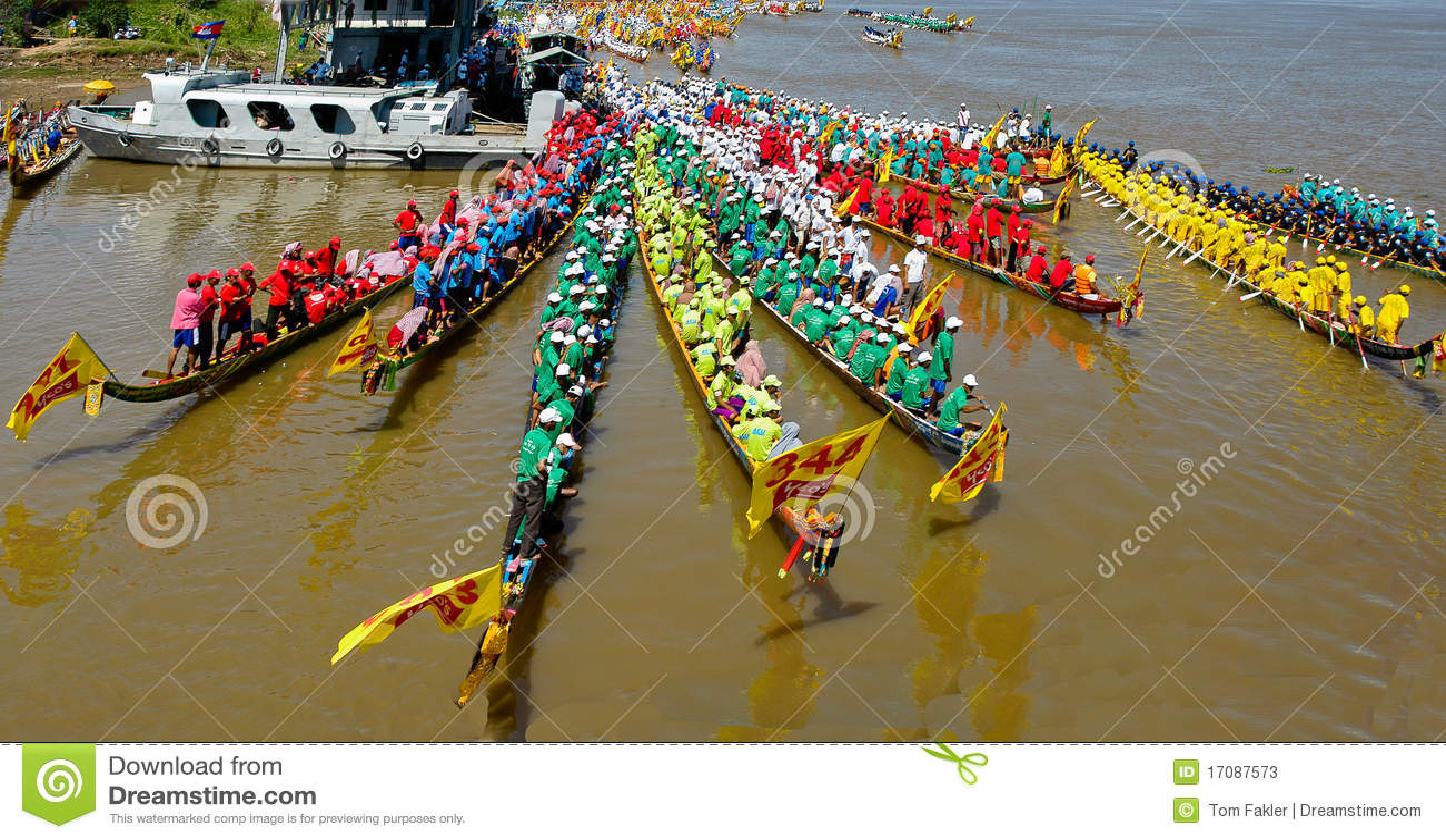 Kambodschanische Wasserfestival-Regatta