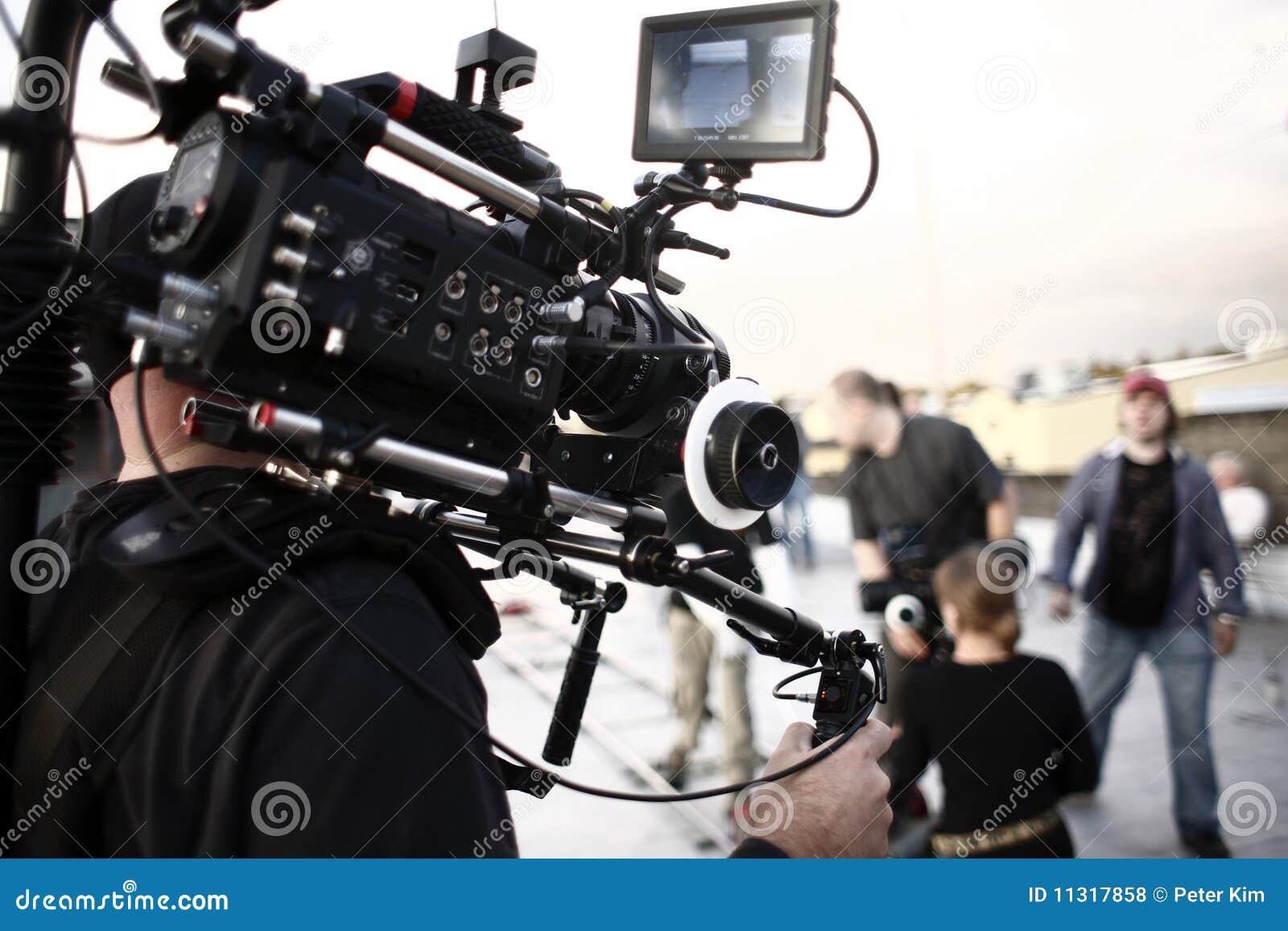 Kameramann mit Kameraklammer