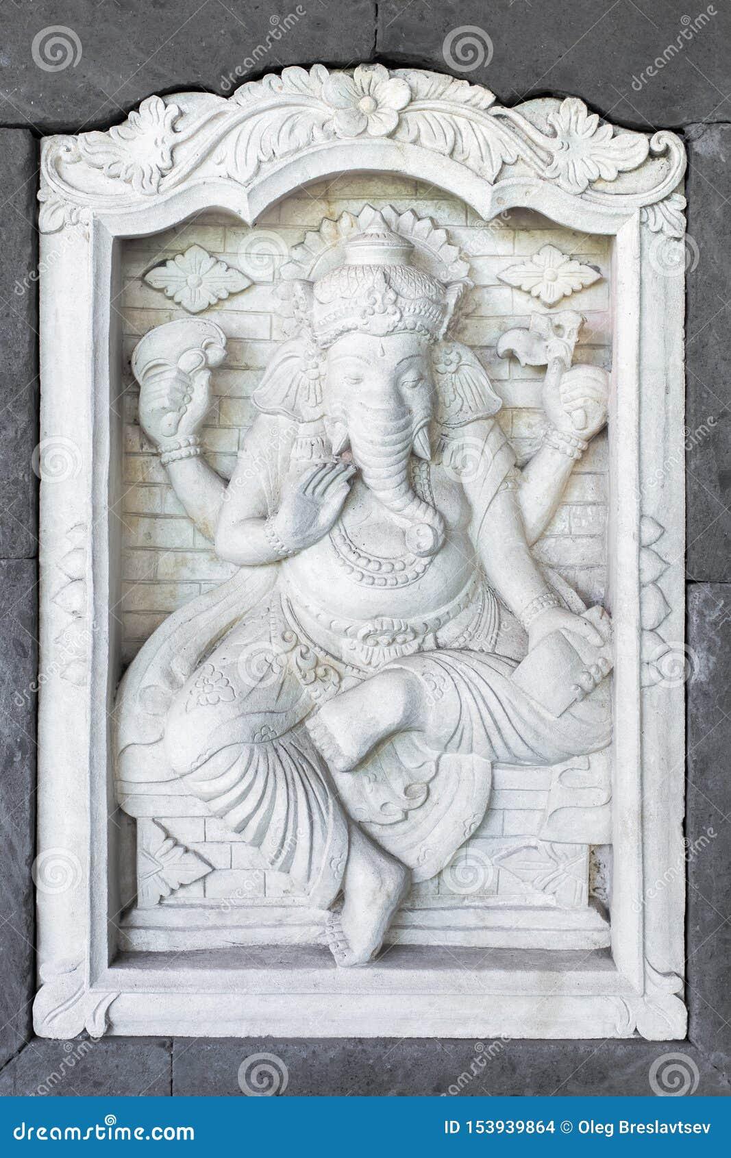 Kamienna rzeźba Ganesha na dom ścianie w Bali