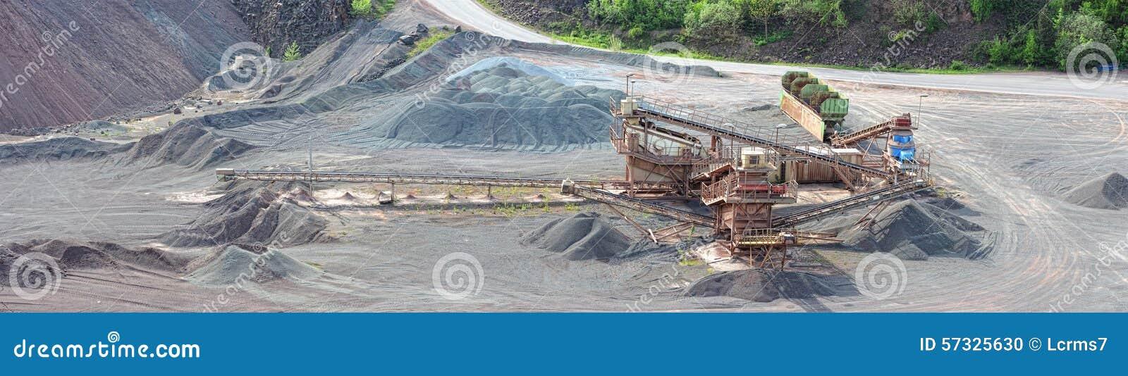 Kamiennego gniotownika maszyna w otwartej jamy kopalni