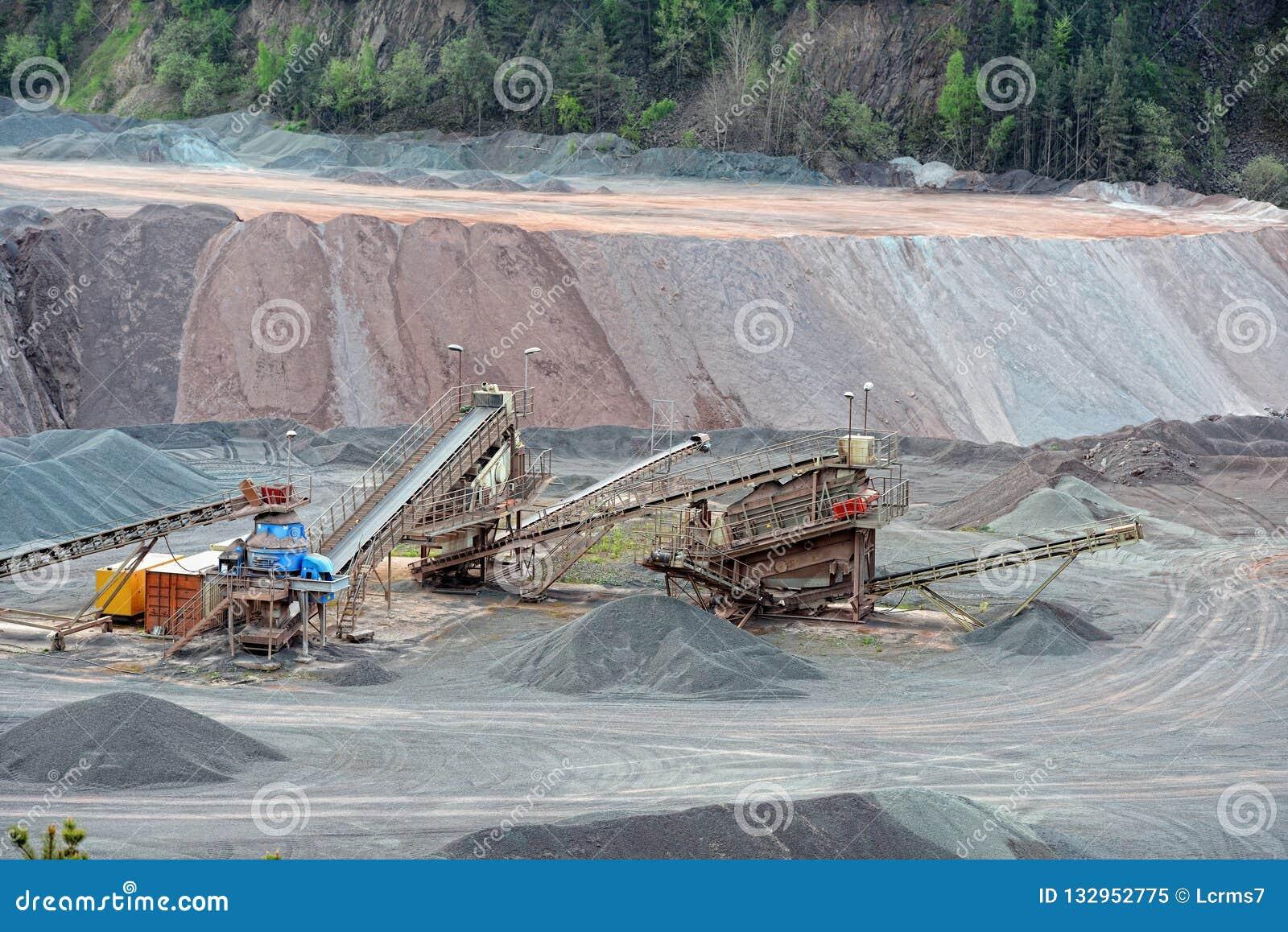 Kamienny gniotownik w łup kopalni porfir kołysa