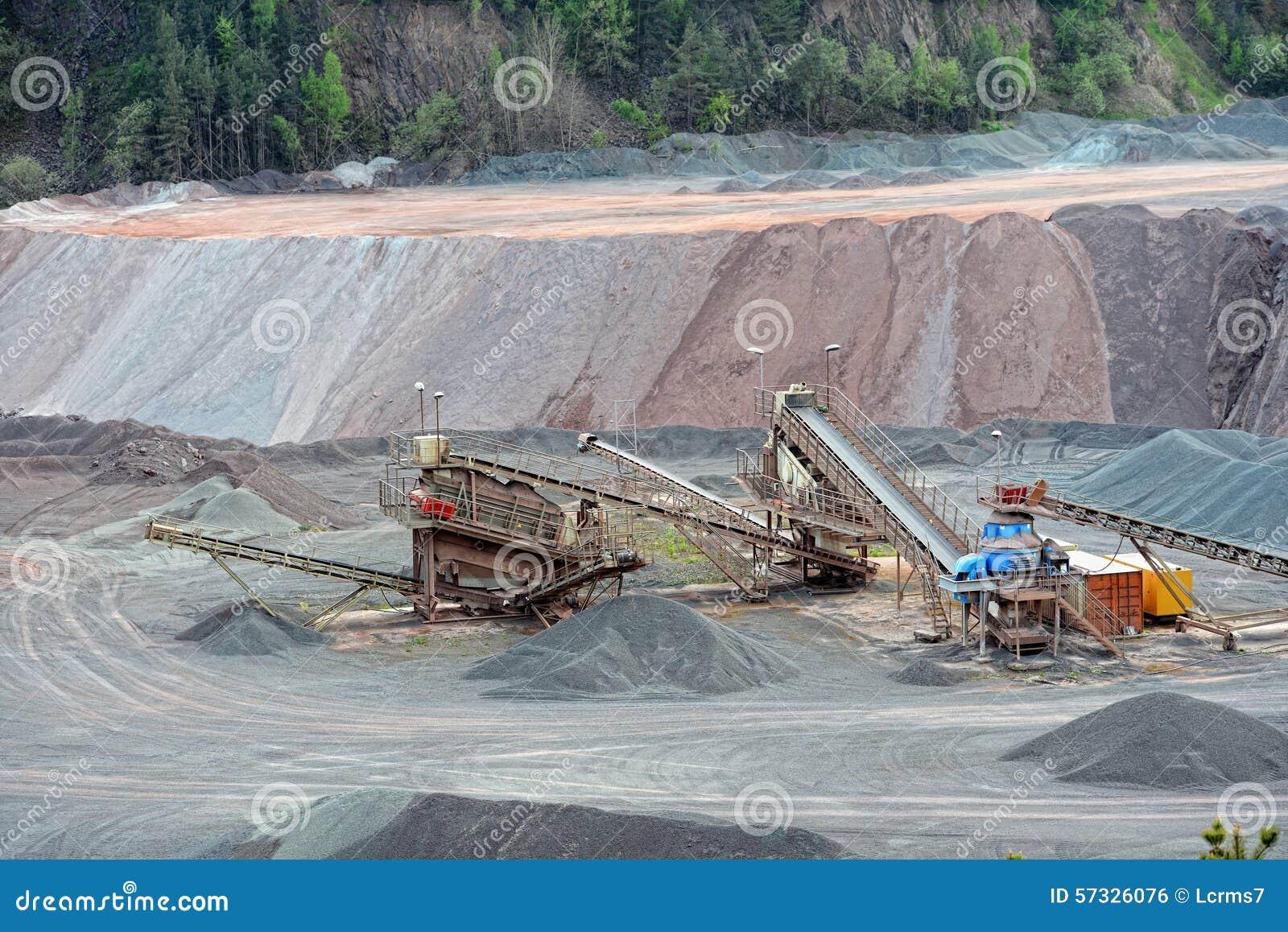 Kamienny gniotownik w nawierzchniowej kopalni tła Cairo Egypt pierwszoplanowy Giza hdr wizerunku khafre ostrosłupa sfinks