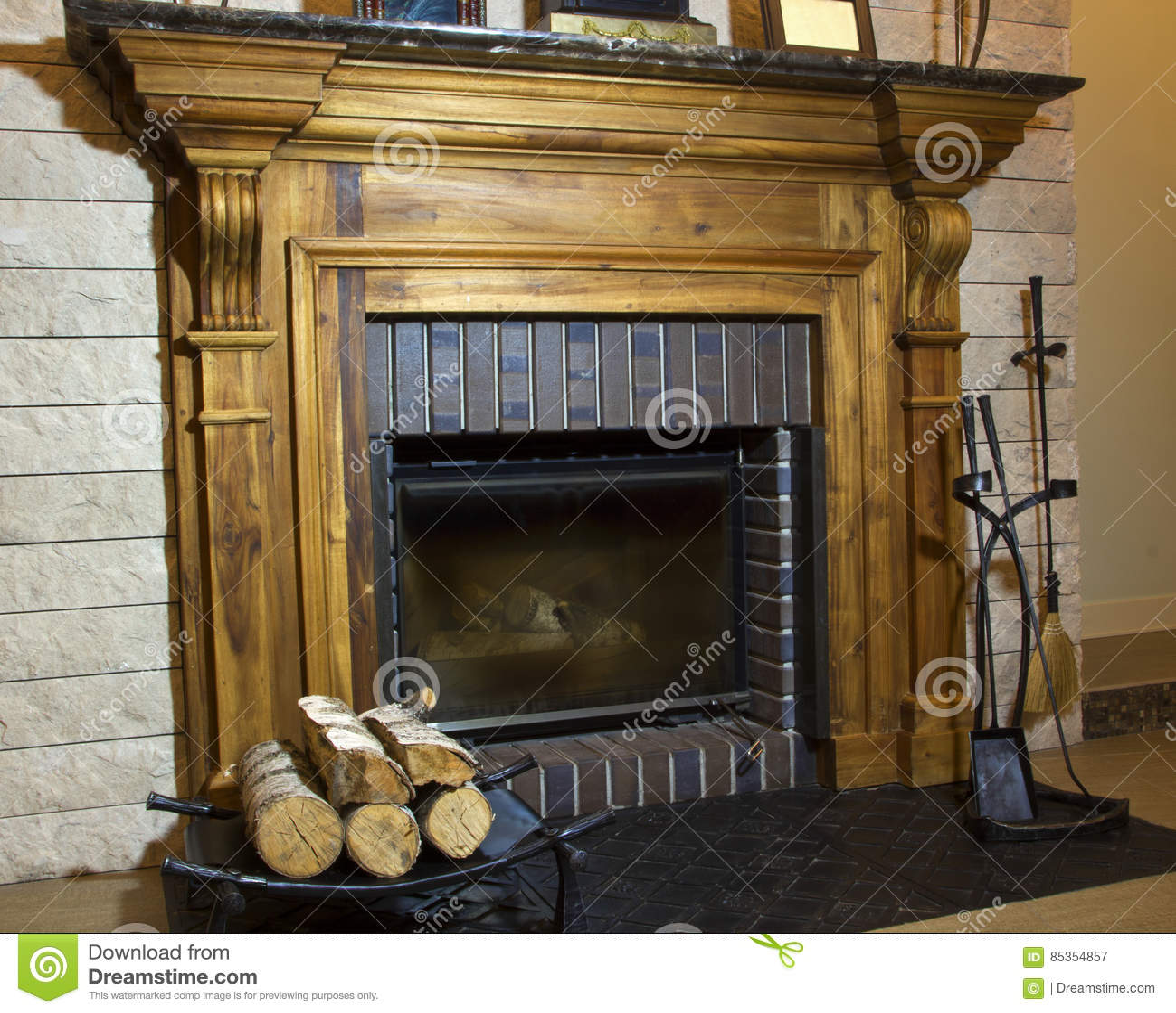 Kamin Mit Wand Stockbild Bild Von Wand Kamin 85354857