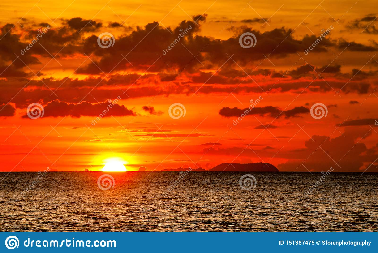 Kan du tänka av en bättre solnedgång?