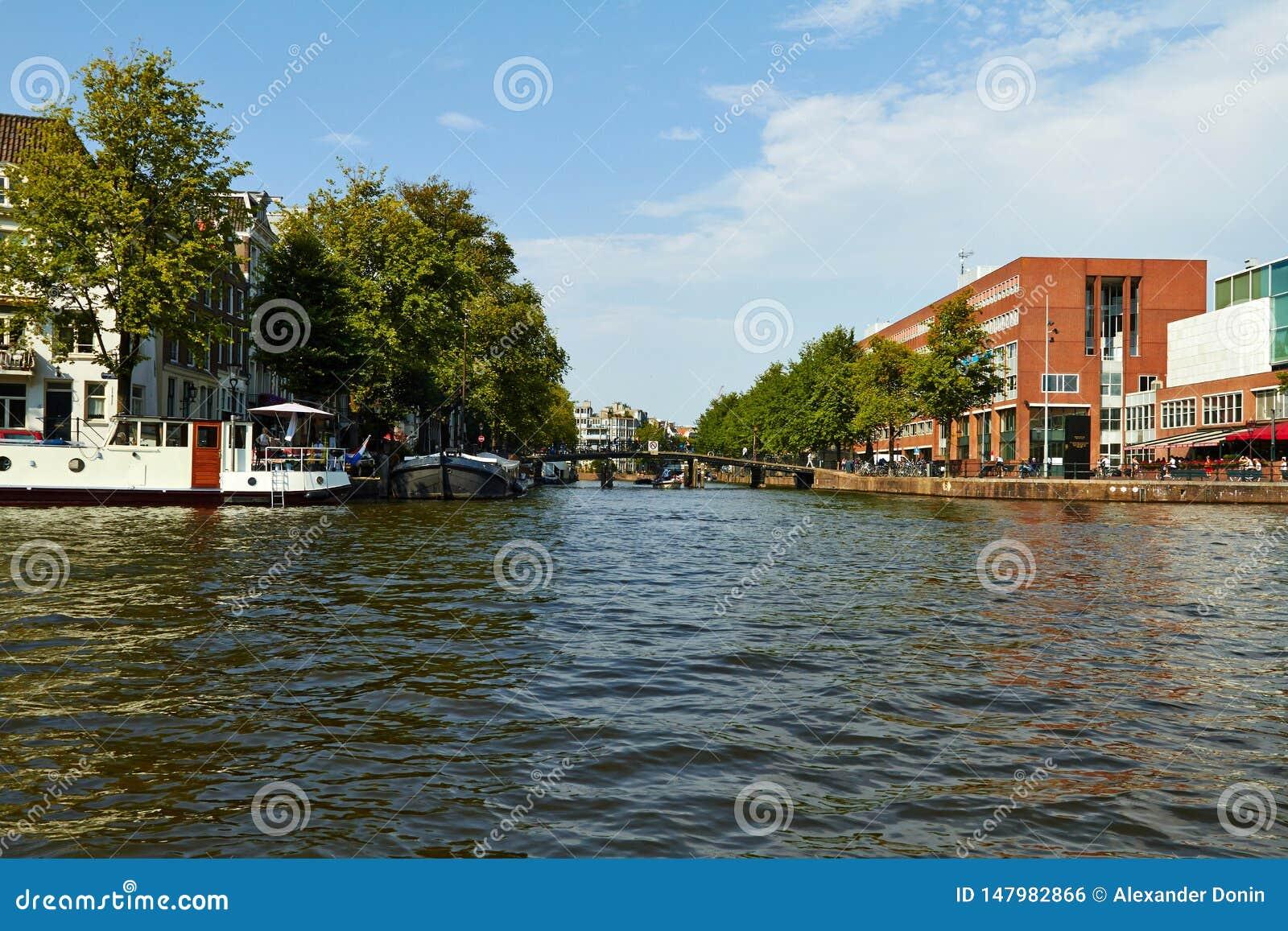 Kan?le und Boote von Amsterdam