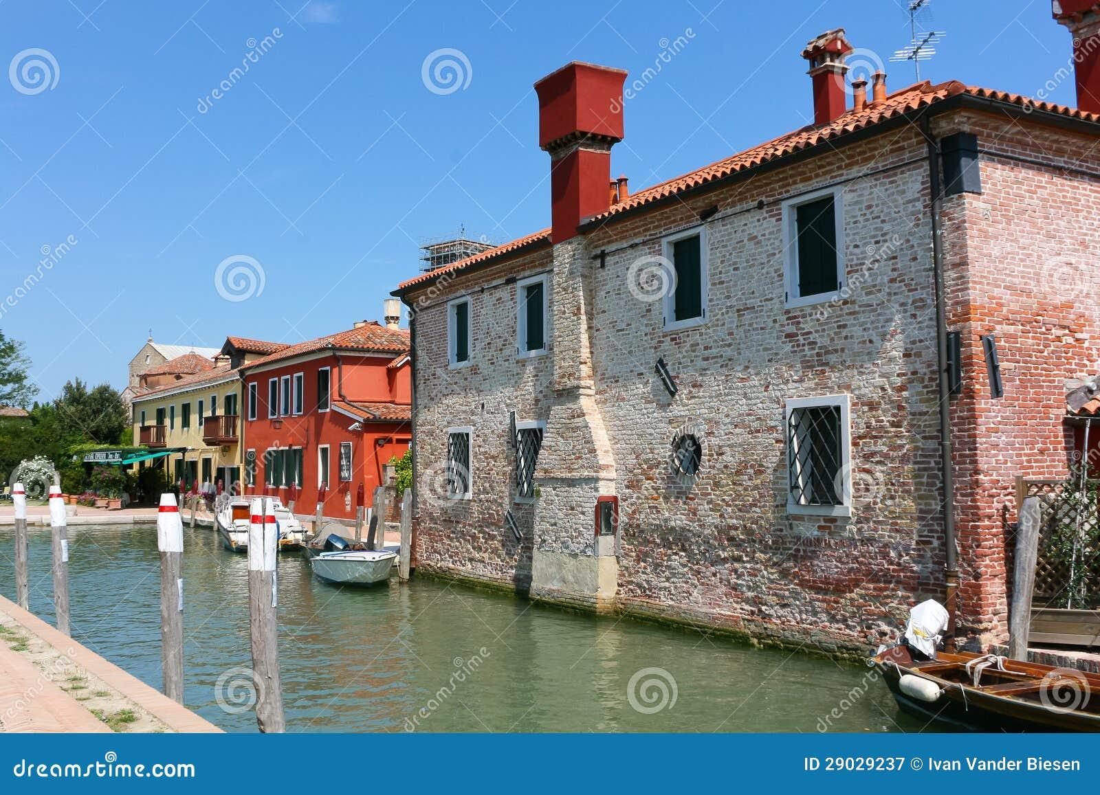 Kanał i domy w Torcello