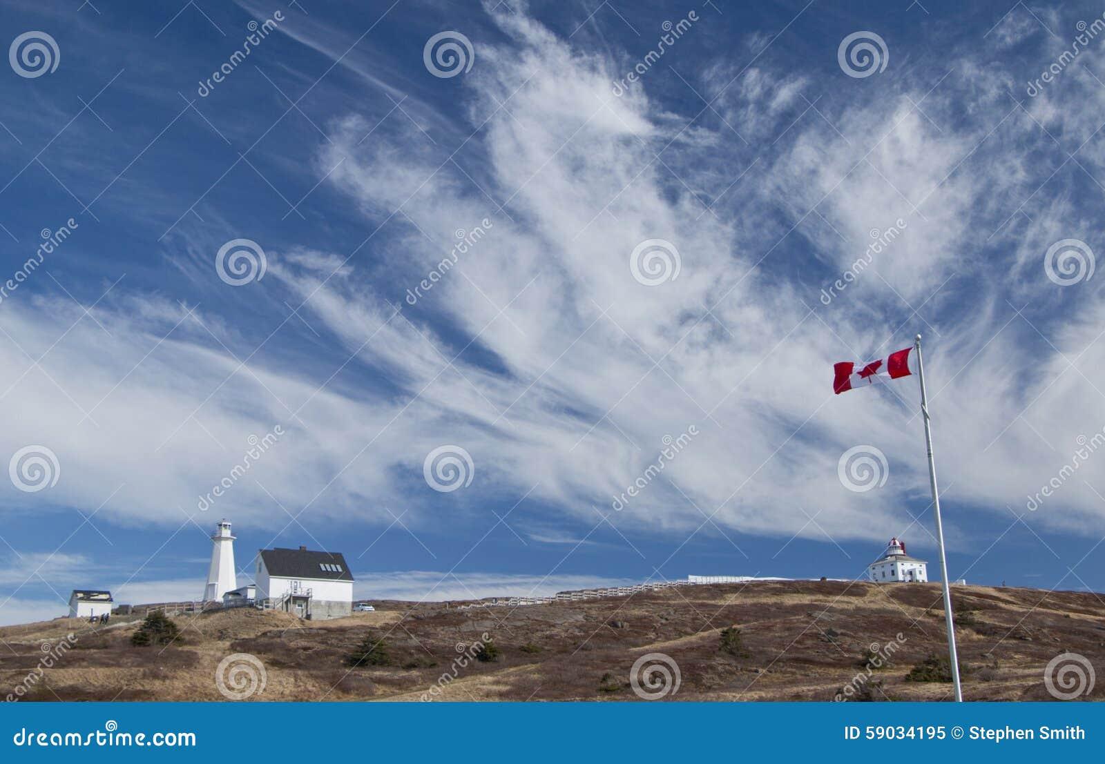 Kanada-Flagge an der Kap-Stangen-Leuchtturm-Staatsangehörig-historischen Stätte