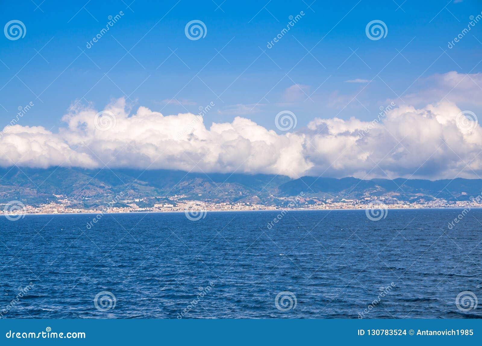 Kanal av Messina, Reggio Di Calabria, sydliga Italien