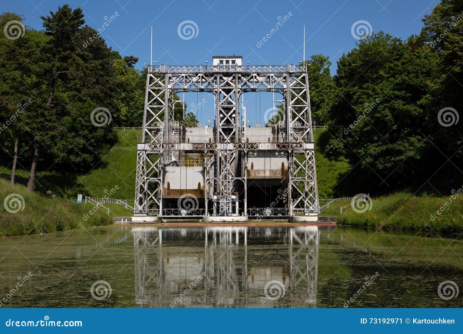 Kanal du Centrera - Strepy-Bracquegnies