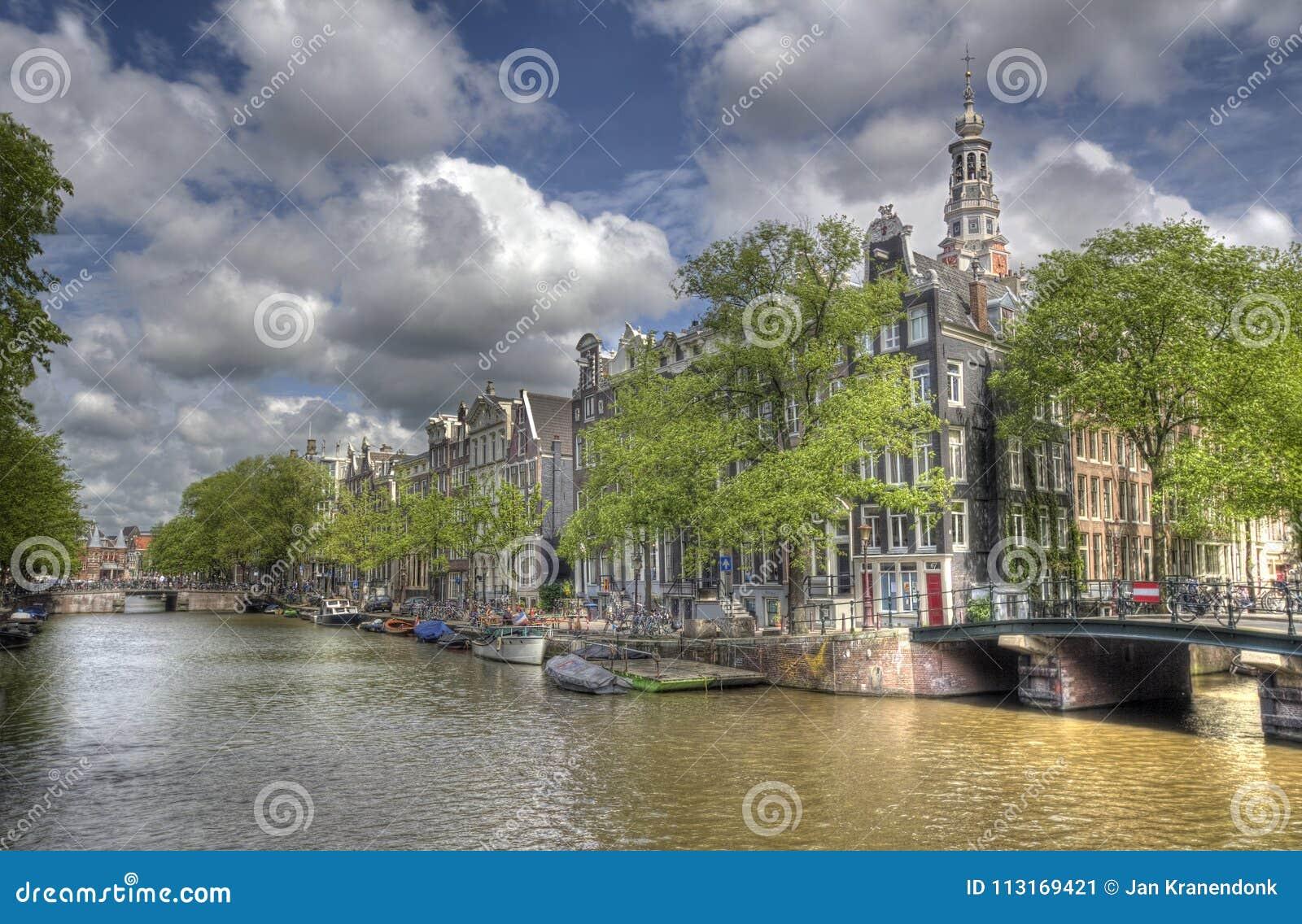 Kanal i Amsterdam, Holland