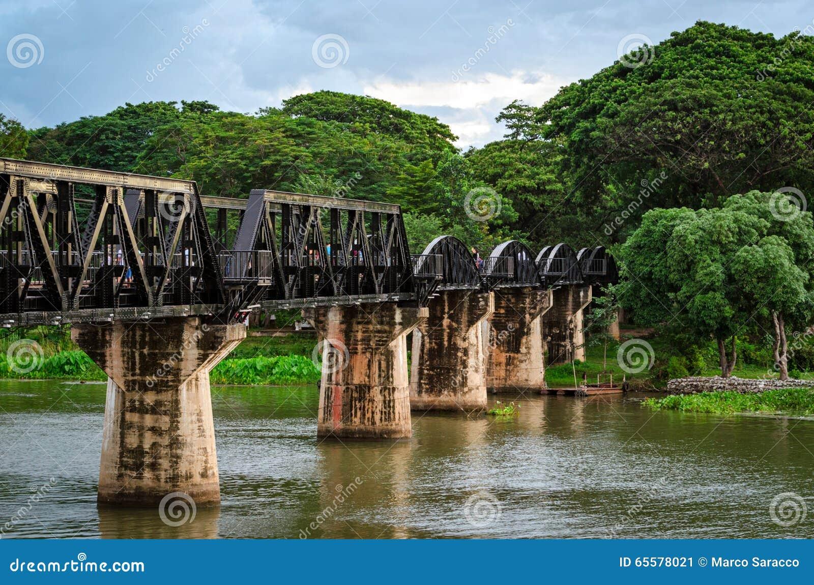 Kanchanaburi (Tailândia), a ponte no rio Kwai