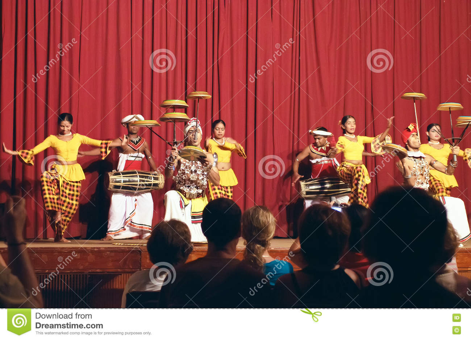 Kandy, Sri Lanka, am 22. Oktober 2011: Kandyan-Tanz-Leistung