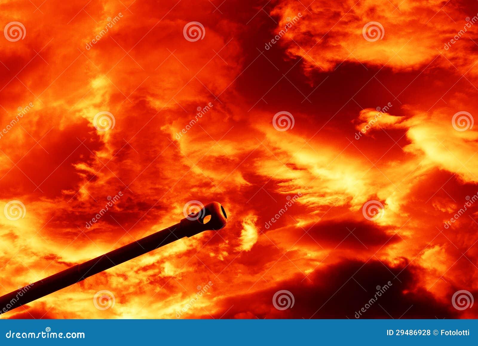 Kanon onder rode hemel