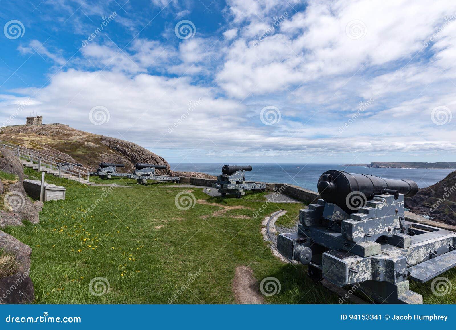 Kanonen und Cabot Tower auf Signal-Hügel, ` s, Neufundland Johannes