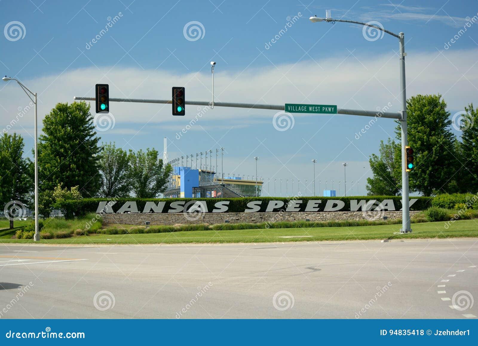 KANSAS CITY, KS, EUA - 31 de maio de 2017: O estrada de Kansas é um NA