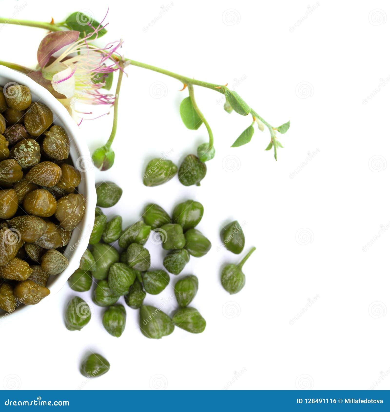 Kapary Kiszeni kapary, surowy pączek i kapar roślina,