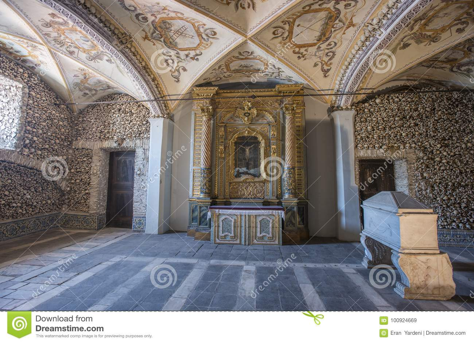 Kapellet av benCapela DOS Ossos, evora, Portugal