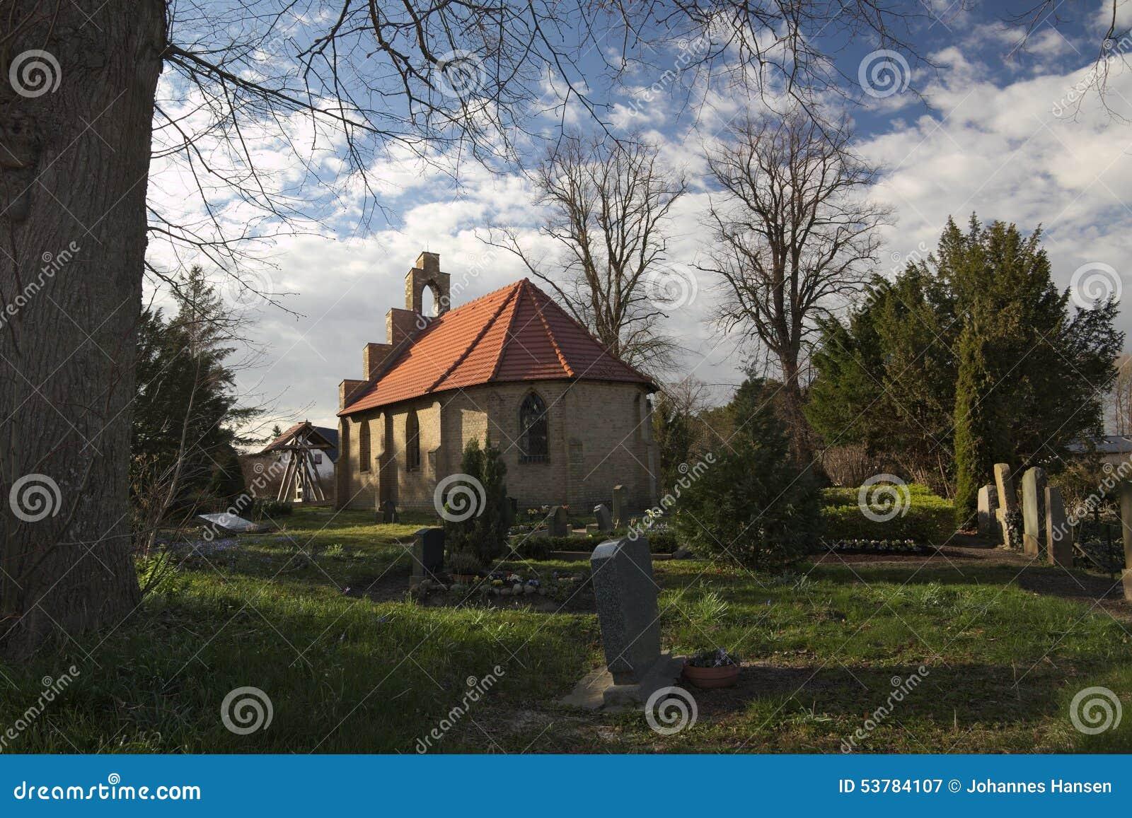 Kaplica I cmentarz W Stahlbrode