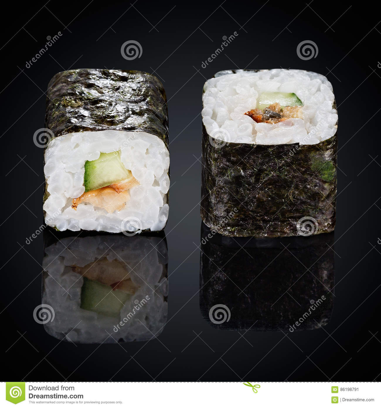 Cerdito colonia Ver insectos  Kappa Maki Rolls With Cucumber And Spicy Sauce Stock Image - Image of  healthy, cuisine: 86198791