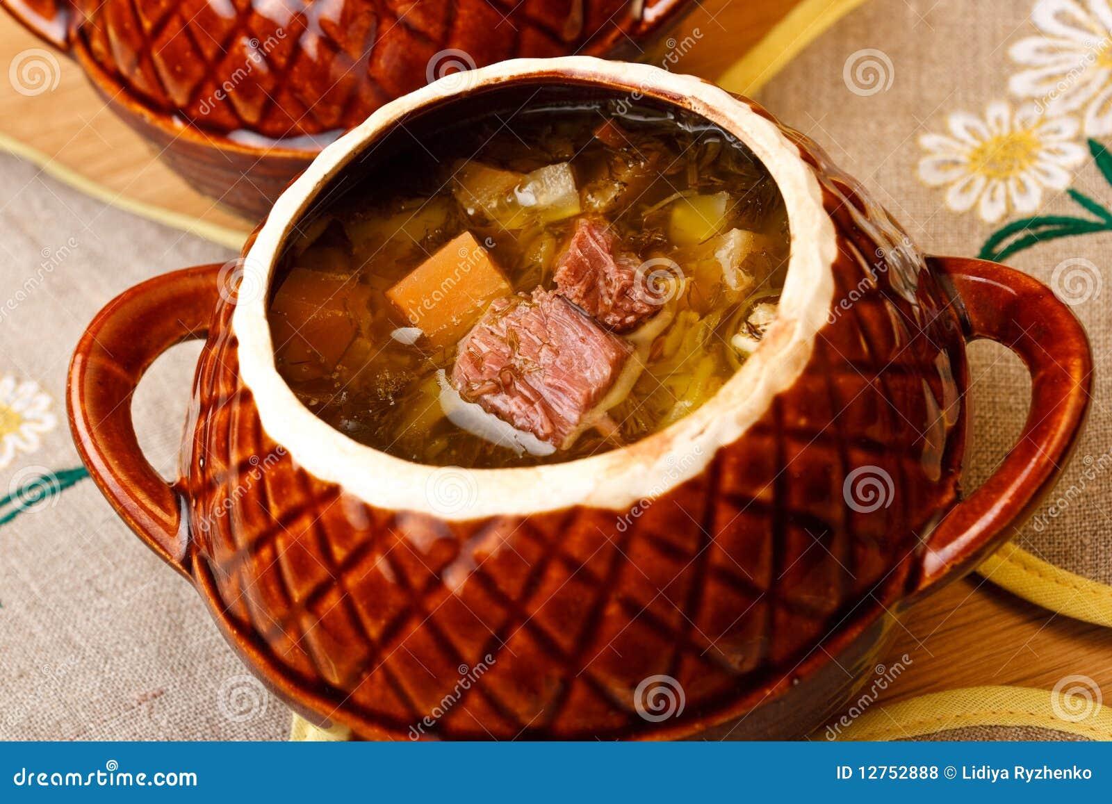 Kapuściana ceramika garnka rosjanina polewka
