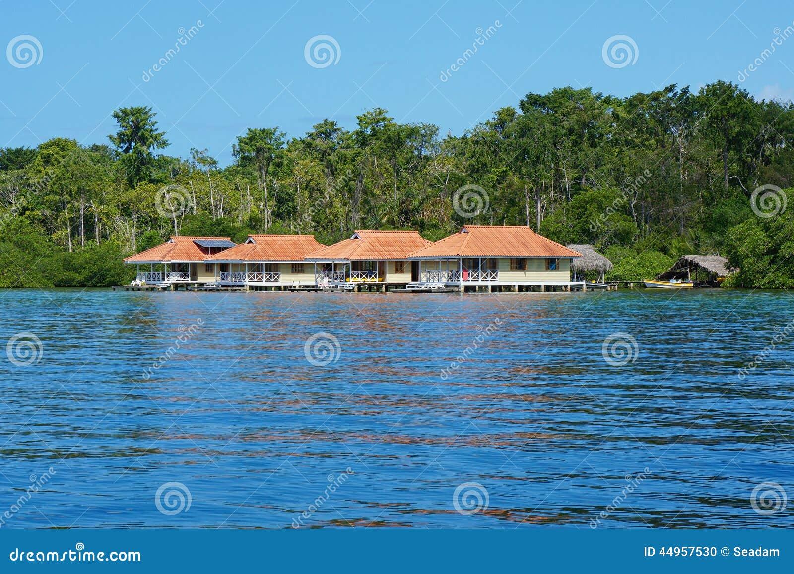 Karaiby Wakacje Domy Nad Wodą W Panama Zdjęcie Stock - Obraz: 44957530