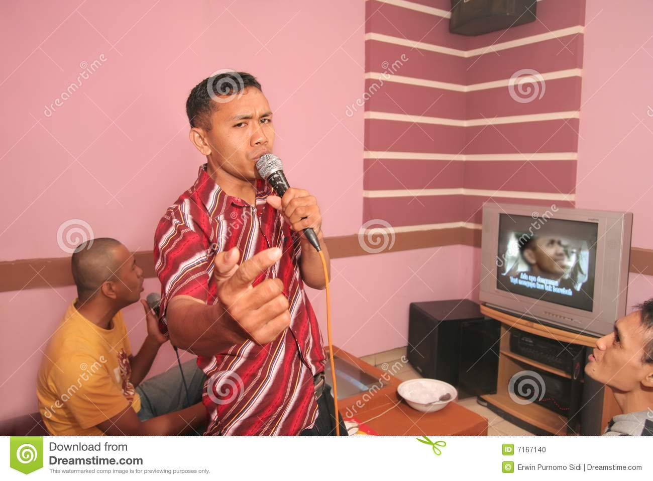 Karaoke stock photo image 7167140 for Living room karaoke
