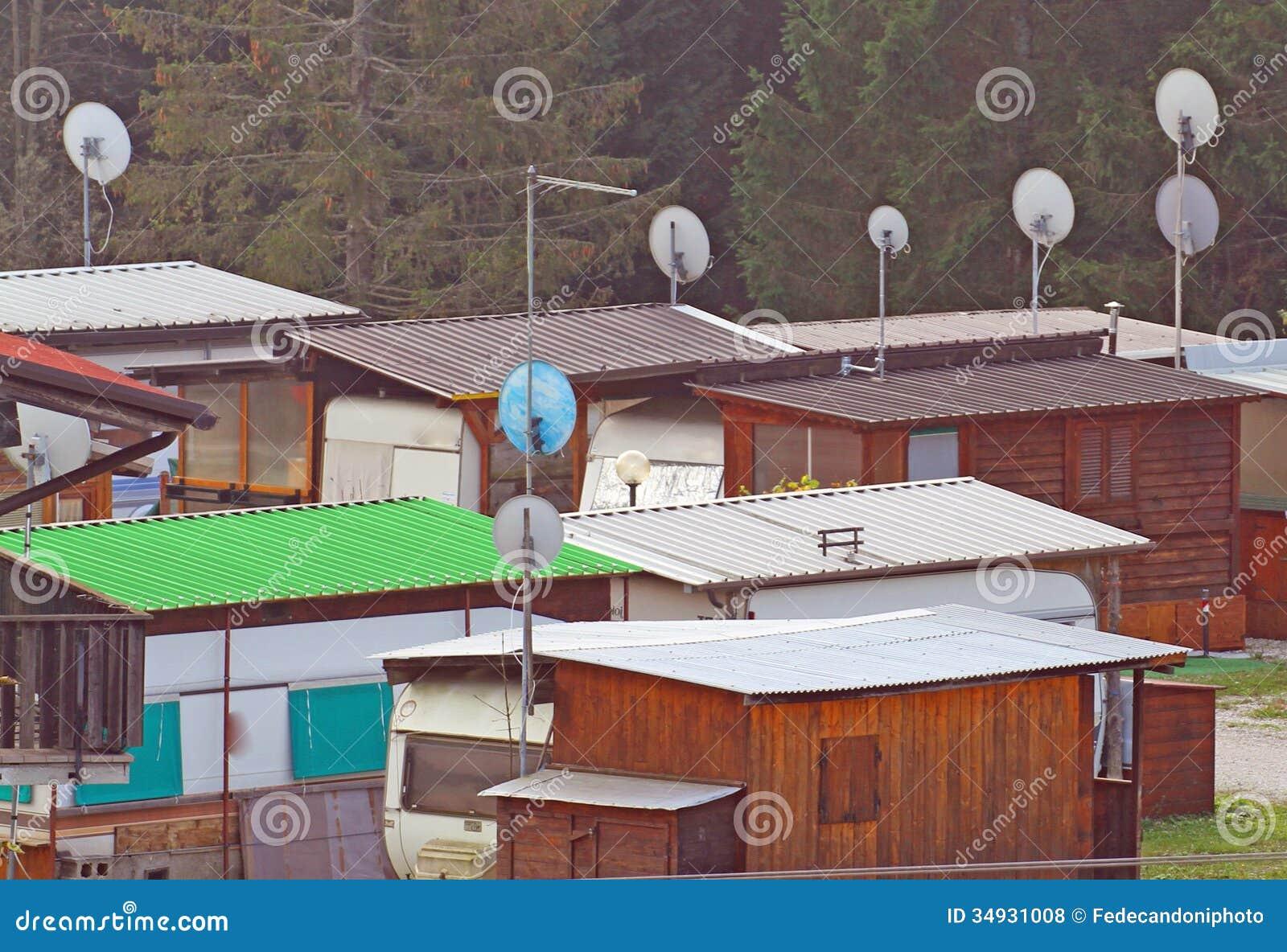 Karawany i obozu kabiny wyposażać dla humanitarnych emergencies